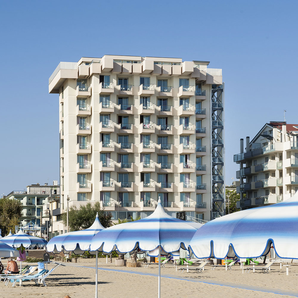 Hotel Terminal Palace & SPA a Rimini in mare